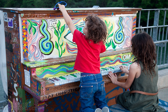 austin street art pianos 13 GoodBye Austin Street Pianos   Play Me Im Yours by the Austin Art Alliance