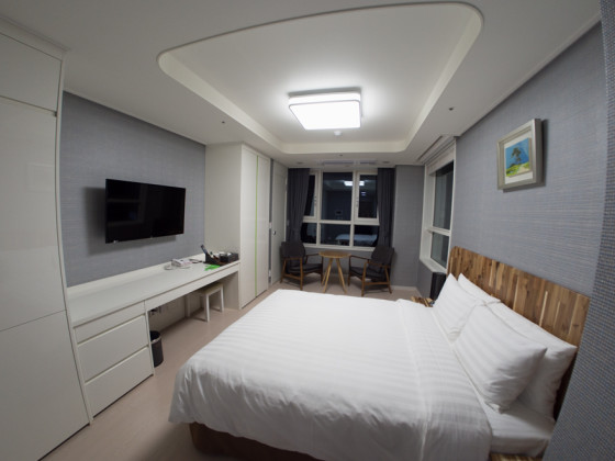 Corrected Image - Hotel Room - Rokinon 7.5mm