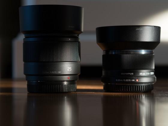 Panasonic 25mm 1.7 vs Olympus 25mm 1.8 size comparison